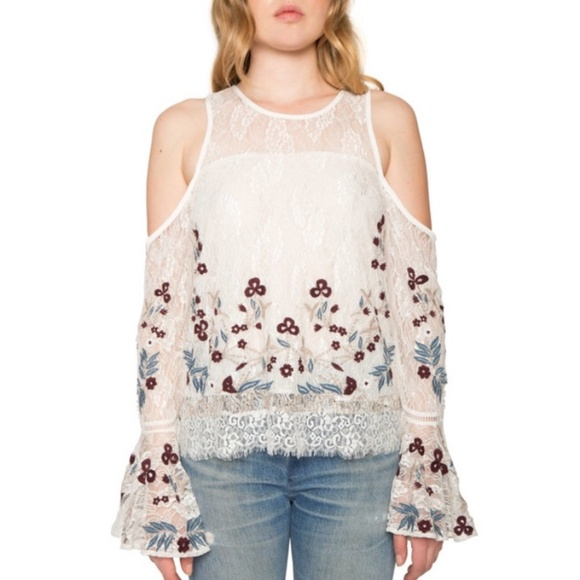0621b8539aef8 Willow Clay Cold Shoulder Bell Sleeve Top